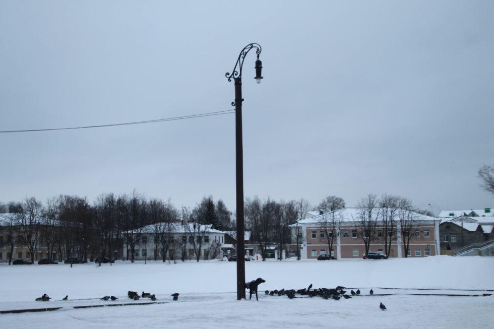 Памятник электрическому фонарю. Вологда