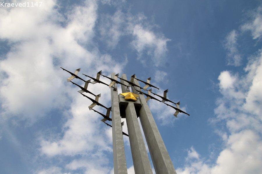 Саратов. Соколиная гора. Монумент Журавли.